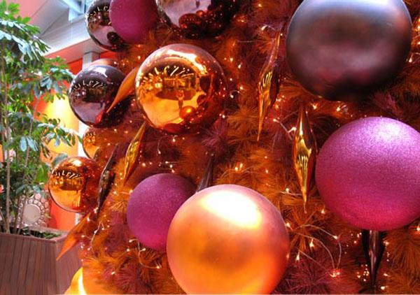 Shiny Baubles Christmas Light