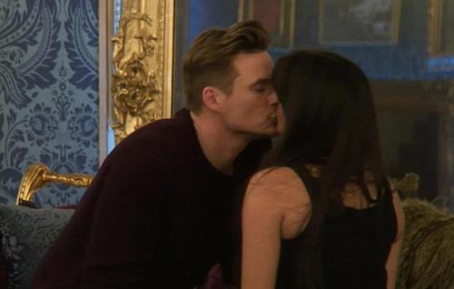 Lee Ryan kiss