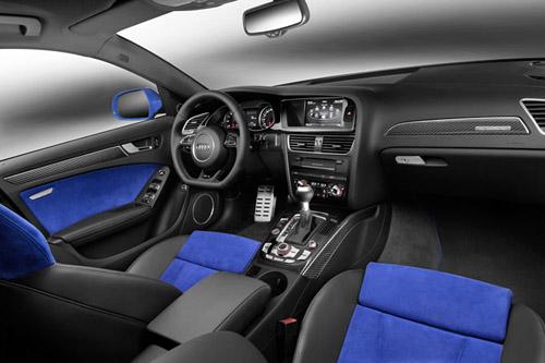2014 Audi RS4 car