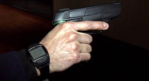 James Bond smart gun