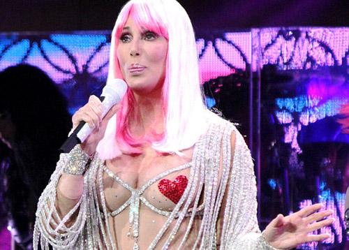 Cher stuns hot pics