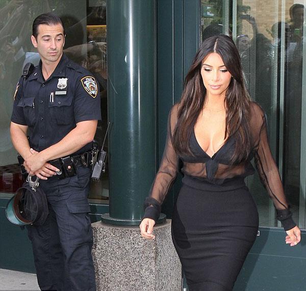 Hot_Kim_Kardashian_15