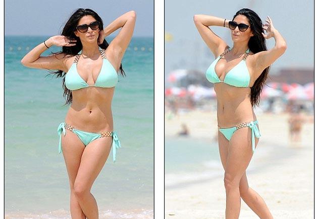 Casey_Batchelor_slinky_mint_bikini_DUBAI_4