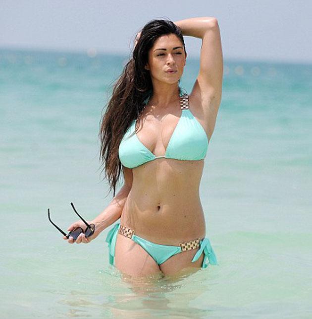 Casey_Batchelor_slinky_mint_bikini_DUBAI_U