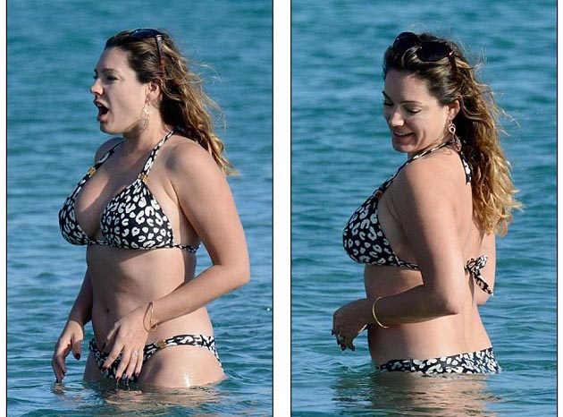 Kelly_Brook_in_leopard_print_bikini_ 8