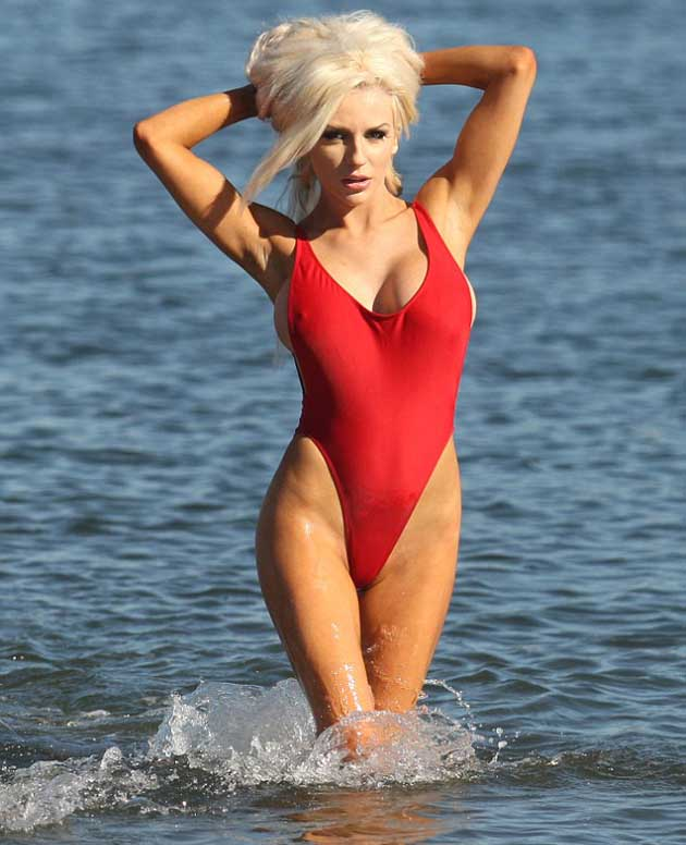 Pamela_Anderson_in_red_swimsuit_