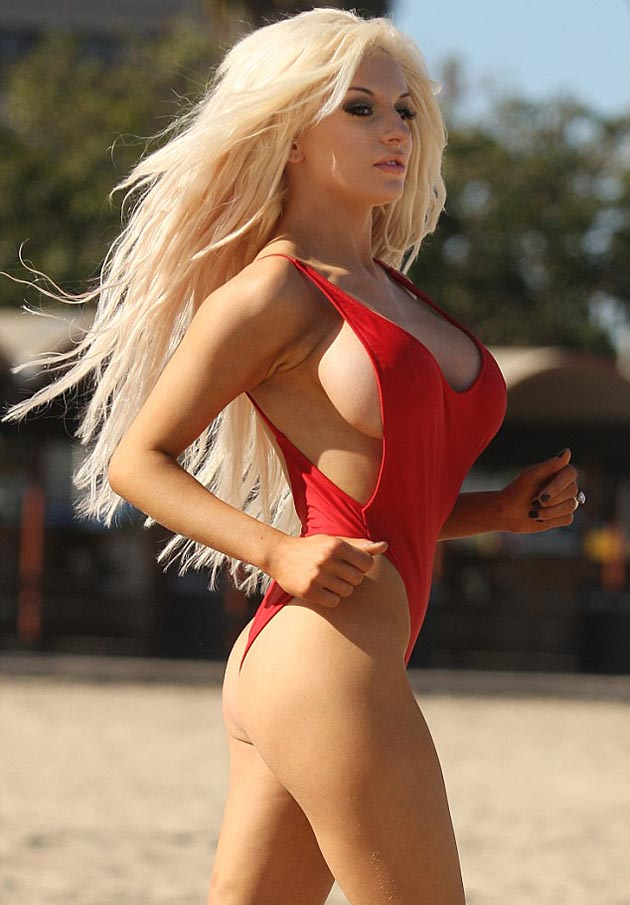 Pamela_Anderson_in_red_swimsuit_1