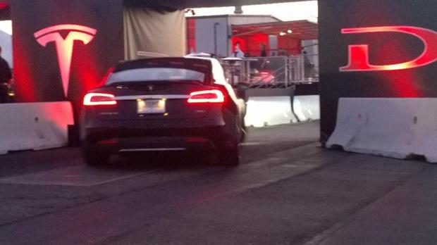 Tesla_Motors_Reveals_AWD_Model_S_P85D_1