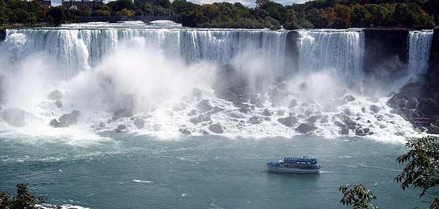 Wonder_of_the_World_Niagara_Falls_american_falls
