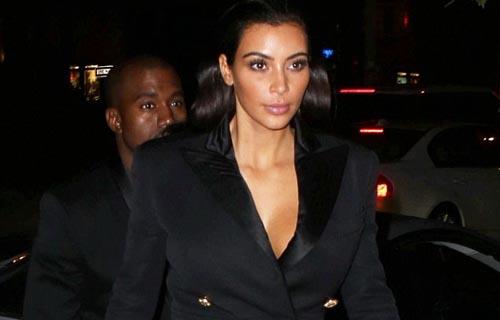 Kim Kardashian showing her cleavage