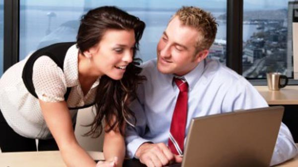 Office_Romance_Work_Place_Relationship_2