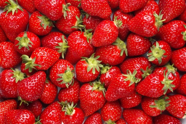 red_fruits_strawberries_