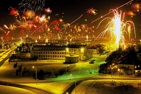 New_Year_Eve_in_Iceland