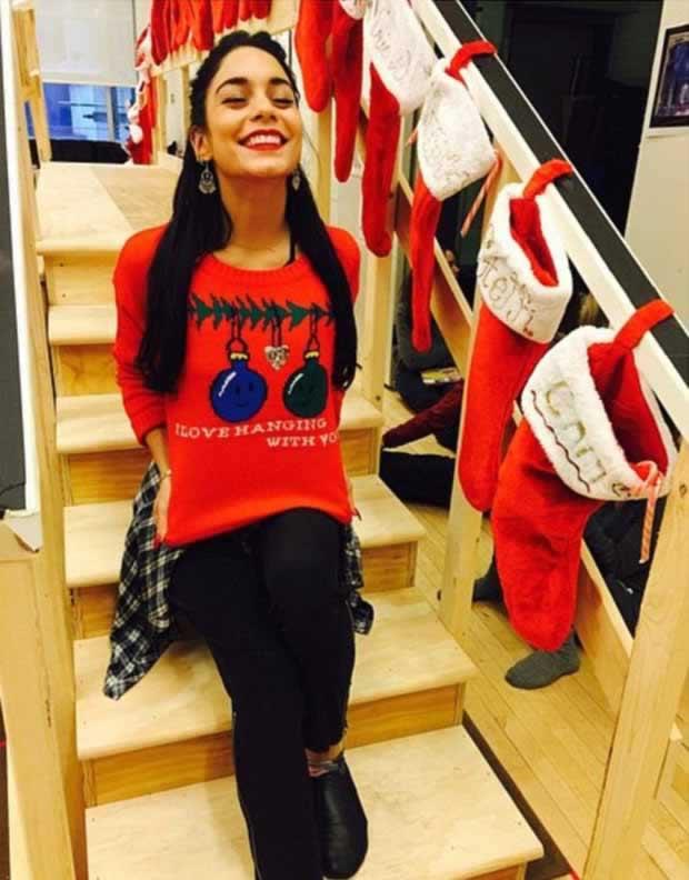 Vanessa_Hudgens_in-flirty_snap_Christmas_morning_2
