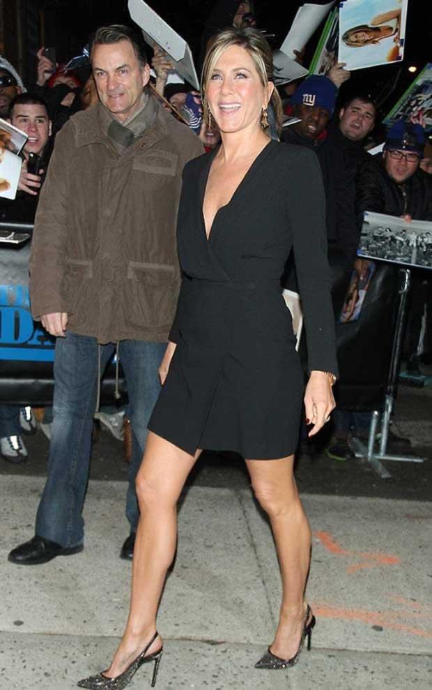 Jennifer_Aniston_Daily_Show_Jon_Stewart_NYC_3