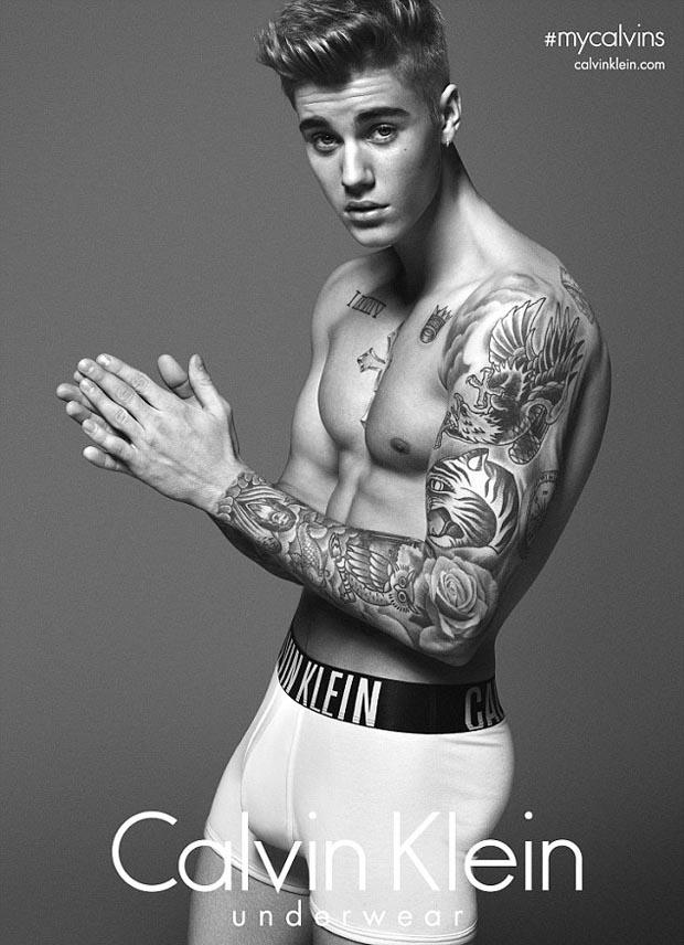Justin_Bieber_in_Calvin_Klein_advert_on_Saturday_Night_Live_5