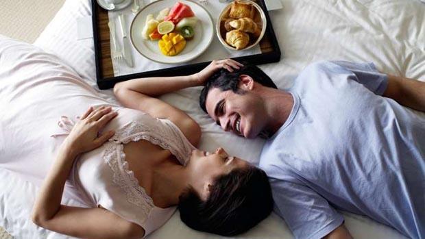 Serve_breakfast-in_bed