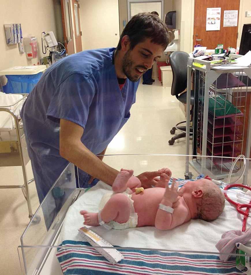 Jill_Duggar_and_Derick_Dillard_baby_boy_1