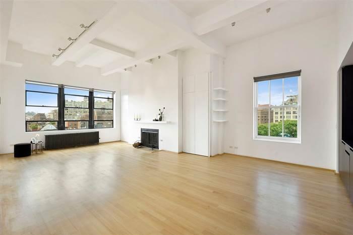 robert-de-niros-living-room.today-inline-large