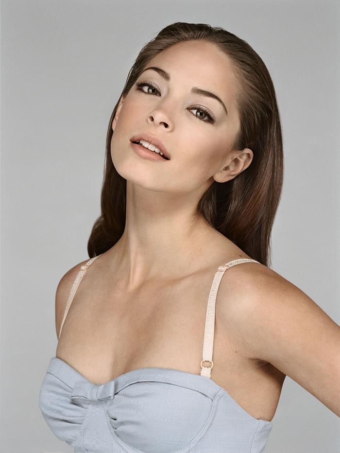 Kristin Kreuk Hot