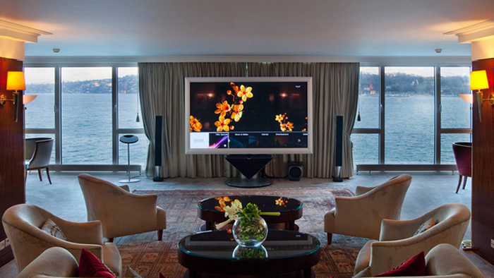 Hotel Room: Royal Penthouse Suite, Hotel President Wilson in Geneva