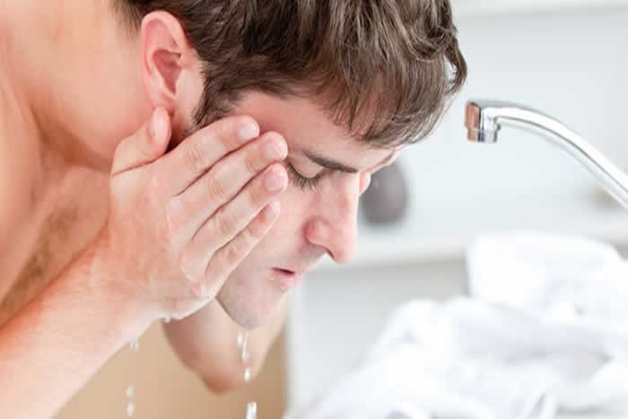 Face Wash a Man's Way to Handsomeness