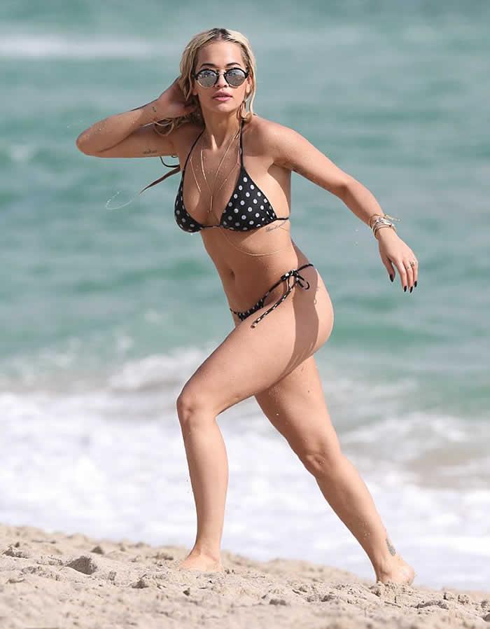 Rita Ora wows in white floral bikini