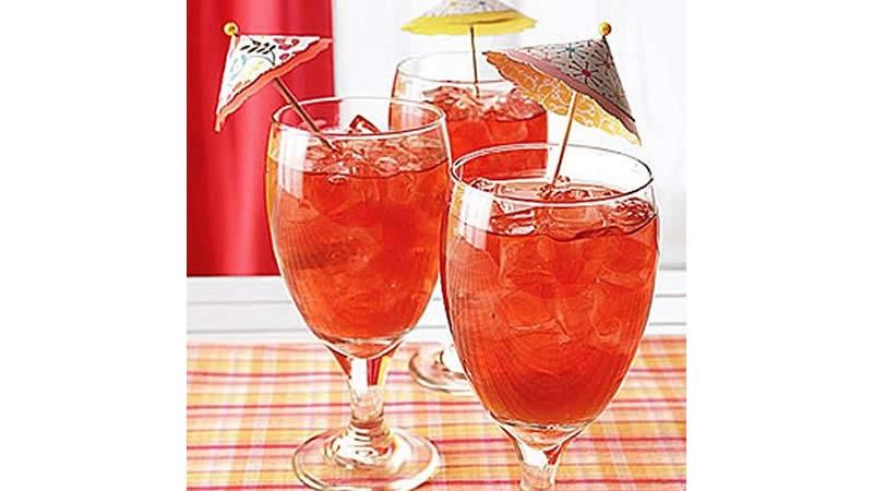 Hibiscus Iced Tea With Peaches
