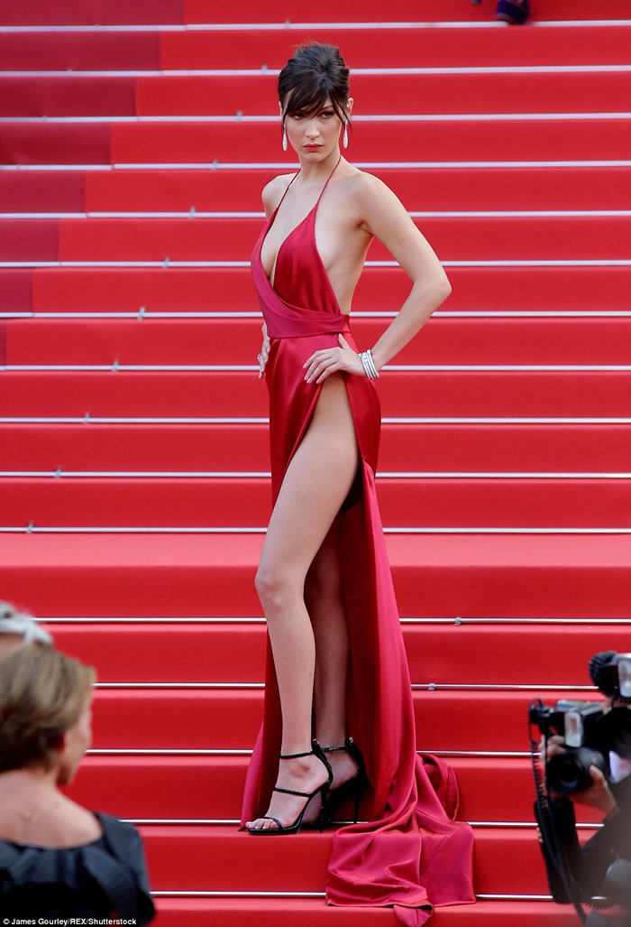 bella hadid without underwear
