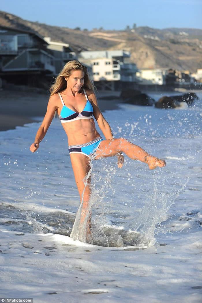 Denise Richards Bikini