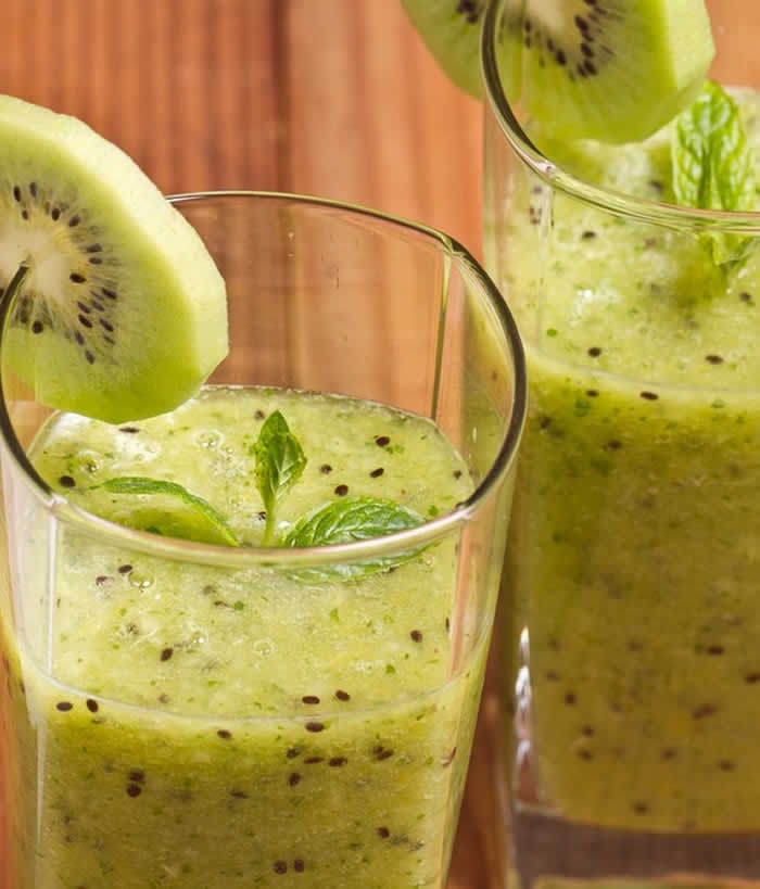 Banana and Kiwi Smoothie