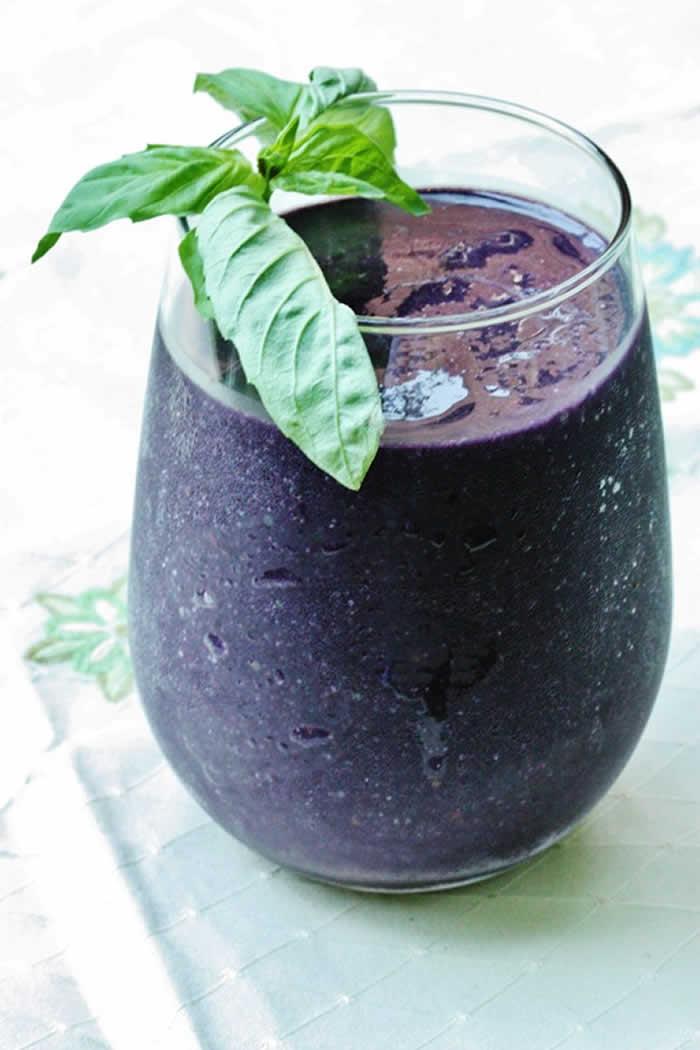 Blueberry Basil Smoothie