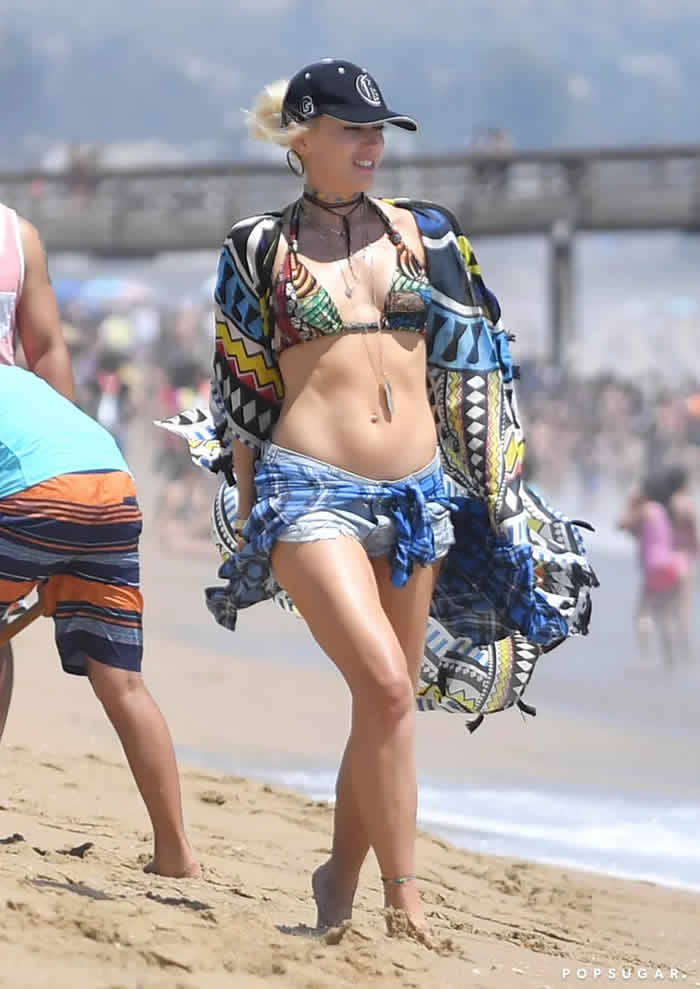 Gwen Stefani in a Bikini Pictures July 2017
